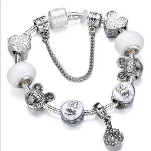 🐡 Lovely Pandora Mini Mickie Charm Bracelet 🐳